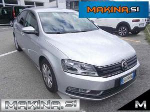 Volkswagen Passat 1.6TDI NAVIGACIJA + 2 X AVTOMATSKA KLIMA + POTOVALNI RAČUNALNIK + ELEKTRIČNA STE