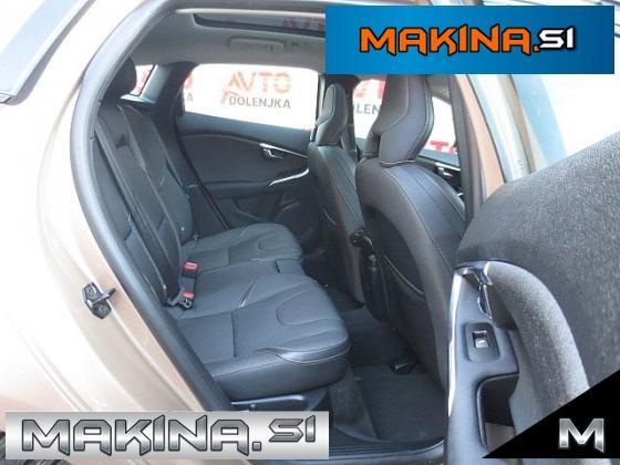 Volvo V40 CROOS COUNTRY 1.6D NAVIGACIJA + KAMERA + PANORAMA + PDC + ALU16